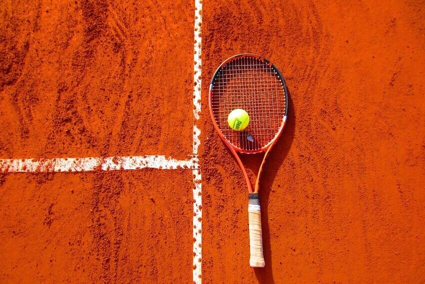 Залагане на тенис